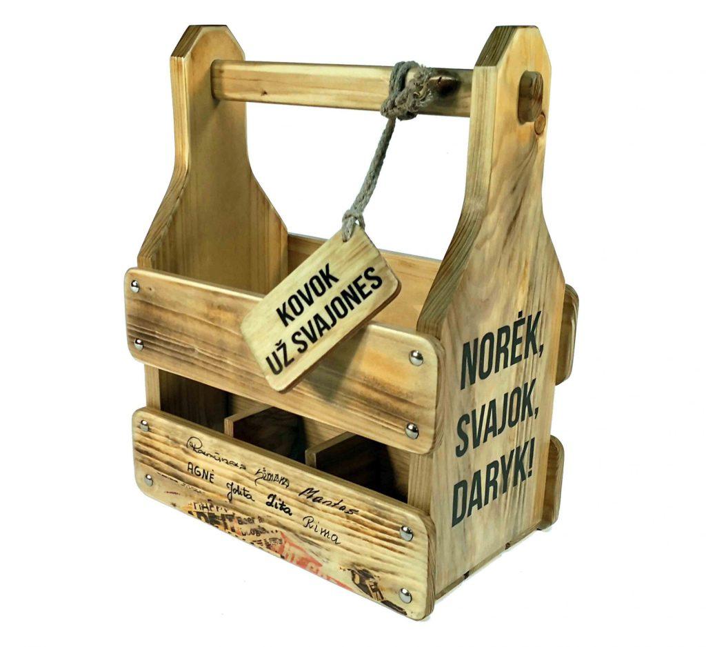 medinės dėžės alui su užrašais